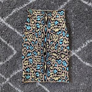 😍😍 BCBG Lucien Leopard print skirt sz: XS